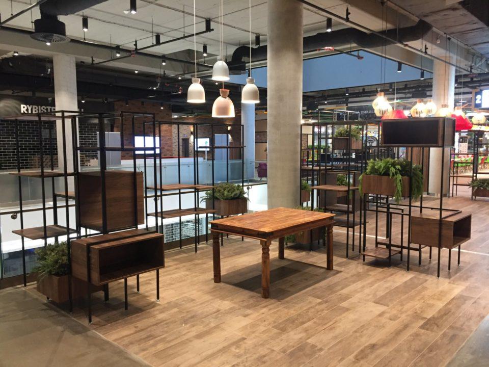 Solid Furniture - OC Stromovka